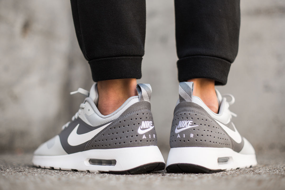 newest collection 7f748 82ff7 nike Air Max Tavas SE Homme Sneakers